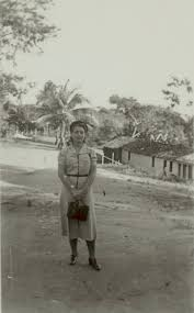 Ruth Landes on roça of Aninha, 1938 August | Smithsonian Institution