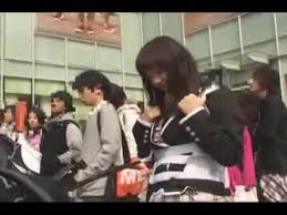 Thoes crazy japanese squirt in public