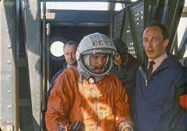 On april 12, 1961, soviet cosmonaut, yuri gagarin, made history at the age of 27 by completing a single orbit of earth in approximately 108 minutes. Gtieg6hxojixsm