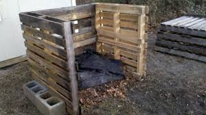 pallet compost bin. as pallet compost bin