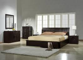 Dark Brown Contemporary Bedroom Furniture With Gray Rug