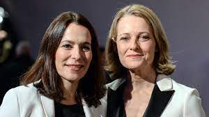 Anne will (born 18 march 1966) is a german television journalist and host of the eponymous political talk show. Anne Will Und Miriam Meckel Haben Sich Getrennt Panorama Sz De
