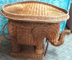 ... Image 2 : Wicker Elephant Table