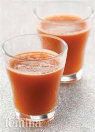 Jus tomat dan wortel ini dianjurkan diminum pada jam makan malam sebagai pengganti makanan berat. Jus Wortel Tomat Seledri