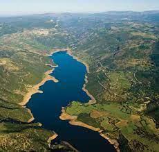 Lago del medio Flumendosa
