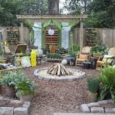 ... Backyard, Surprising Brown Round Vintage Soil Cheap Yard Ideas  Ornamental Pollybag Trees Design: Interesting ...