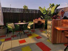 How To Design And Build A Paver PatioHow To Install Pavers In Backyard