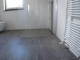 Badkamer Tegelvloer Badkamer Houtlook Tegels In Woonkamer En Vloertegels Keuken Leggen