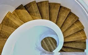 Der preis wird in der regel pro quadratmeter festgelegt und richtet sich auch nach der art der tapete. Neue Treppe Gesucht Tipps Und Preise