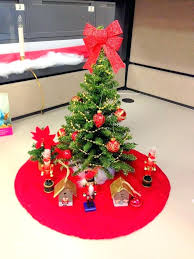 decorating office for christmas.  Christmas Christmas Desk Decoration Ideas Celebration Decor At Corporate Office  Decorating Competition   Inside Decorating Office For Christmas