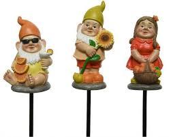 gnome garden stake 83cm assorted