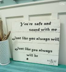 wedding gift diy pallet sign with s at thehappyhousie
