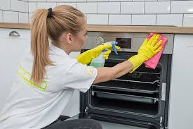 Cleaning Homes Jobs The Happy House Cleaning Domestic Cleaners From 12 Hour