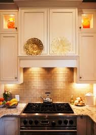 selecting under cabinet lighting for the kitchen cabinet lighting pucks