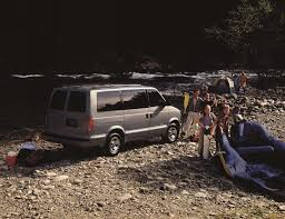 2001 Chevrolet Astro Pictures, History, Value, Research, News ...