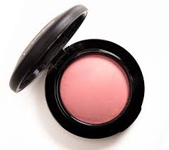 <b>MAC Dainty</b> Mineralize Blush Review, Photos, Swatches