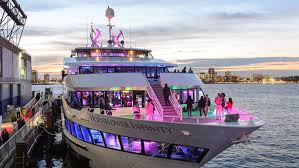 Harbor Lights Boat The Best Dinner Cruises In Nyc Yacht Party Summer In Nyc