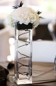 46 Cool Black And White Wedding Centerpieces | HappyWedd.com