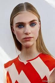 jonathan saunders spring summer 2016 makeup inspiration true blue eyeliner