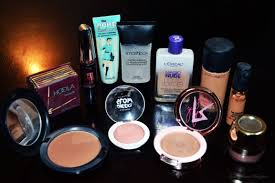 basic makeup essentials the only things you need in your makeup bag