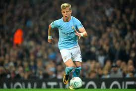 Born 15 december 1996) is a ukrainian professional footballer who plays for premier league club manchester. From Benchwarmer To Title Winner The Rise Of Zinchenko El Arte Del Futbol