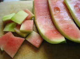 Hasil gambar untuk kulit semangka untuk membuat kuku putih