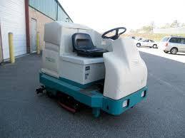 tennant 7200 used industrial rider floor scrubber