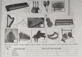 Perlu diketahui bahwa alat musik harmonis sudah pasti alat musik melodis , akan tetapi alat musik melodis belum tentu alat musik harmonis karena hanya beberapa alat musik melodis saja yang bisa memainkan sampai 3 nada secara bersamaan. Alat Musik Harmonis Adalah Brainly