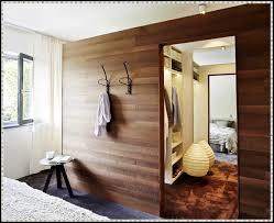 Kleines Schlafzimmer Mit Begehbarem Kleiderschrank Steensrunningclub