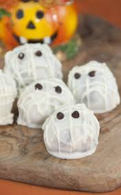 halloween oreo balls. Perfect Balls Easy Halloween Mummy Oreo Balls That Require Only Three Ingredients With  Mini Chocolate Chips For The To Balls O