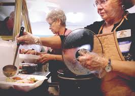Meals brighten holiday for alone and homebound | Home And Hearth |  pinalcentral.com