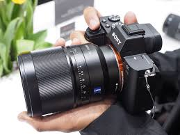 sony 35mm 1 4. while fully compatible now, sony will be updating the firmware of its four new fe lenses like 35mm f1.4 shown here to allow for faster startup speeds on 1 4