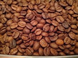 These three roasts also differ in health benefits and caffeine content: These Coffee Beans Don T Smell Like Coffee The Guy Doesn T Know If They Re Robusta Or Arabica And I Can T Tell The Difference What S Wrong With These Beans Coffee