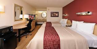 red roof inn rochester henrietta deluxe double bed room image