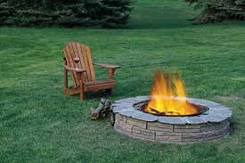 Stone-walled Fire Pit | 27 Hottest Fire Pit Ideas and Designs