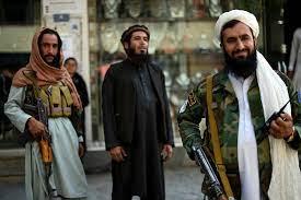 منعت طالبان الرجال الملتحين من قص شعرهم في أفغانستان