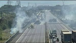 Incidente con camion a fuoco, A1 chiusa nel Piacentino. Due le vittime -  Rai News