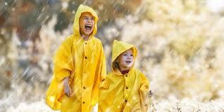Penemuan yang Mengubah Dunia: Jas Hujan, dari Jerami hingga Plastik Halaman  all - Kompas.com