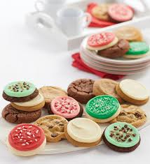 They are very easy to make and extremely buttery in the best possible way. Costco S 70 Count Christmas Cookie Tray Is Stealing The Show