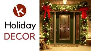 Christmas Decorating Ideas for Front Door. House outdoor ...