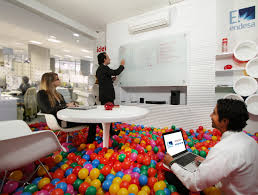 https://www.google.ch/search?q=coolest office
