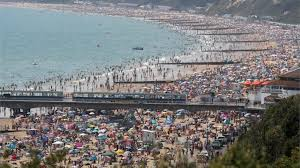 Последние твиты от bournemouth beach lodges (@bmthbeachlodges). Beach Crowds Descend On Bournemouth Brighton And Poole Bbc News