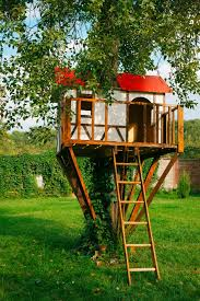 Build Your Kidu0027s Dream Backyard With These 5 DIY Treehouses Diy Treehouses For Kids