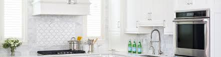 bast backsplash for white kitchen cabinets