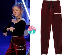 Customize your avatar with the red velvet bad boy outfit and millions of other items. Red Velvet S Bad Boy Mv 2 Seulgi Yeri Ver