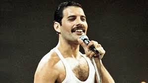 Freddie mercury & montserrat caballe: This Freddie Mercury Impersonator Dancing To I Want To Break Free From His Balcony Will Make Your Day Entertainment Tonight