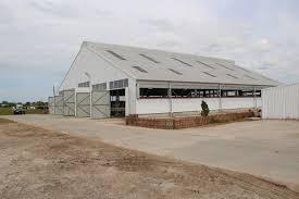 Сельскохозяйственные здания и сооружения из металлоконструкций Фото молочной фермы в Гусевском районе Снимок сельскохозяйственного здания