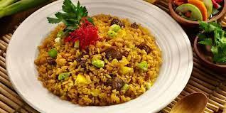 Masukkan bumbu halus dan nasi. 10 Cara Membuat Nasi Goreng Sederhana Dengan Berbagai Kreasi Enak Dan Enggak Ribet Merdeka Com