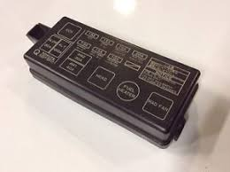 toyota hilux surf 2 4 turbo diesel relay fuse box cover lid image is loading toyota hilux surf 2 4 turbo diesel relay
