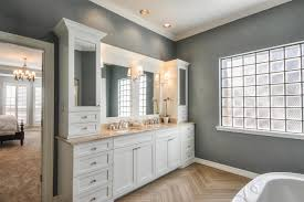 simply minimalis master bathroom design gray painted walls white cabinet with simple mirror pattern flooring white painted ceiling frosted glass window